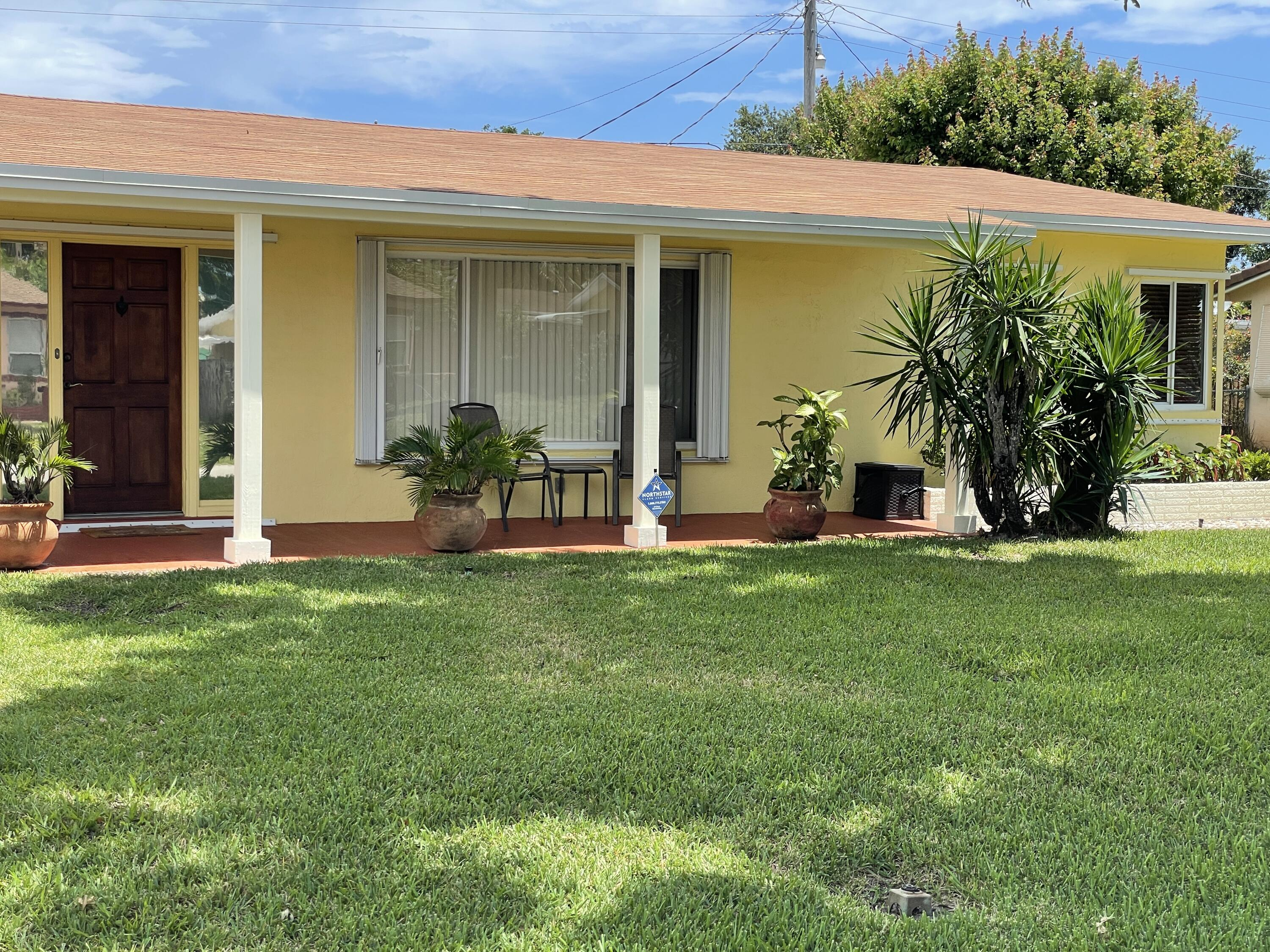 Home for sale in CRESTHAVEN 8 Pompano Beach Florida