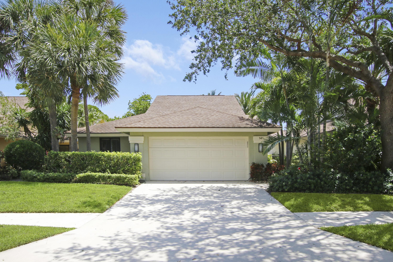 141  Sand Pine Drive  For Sale 10715281, FL