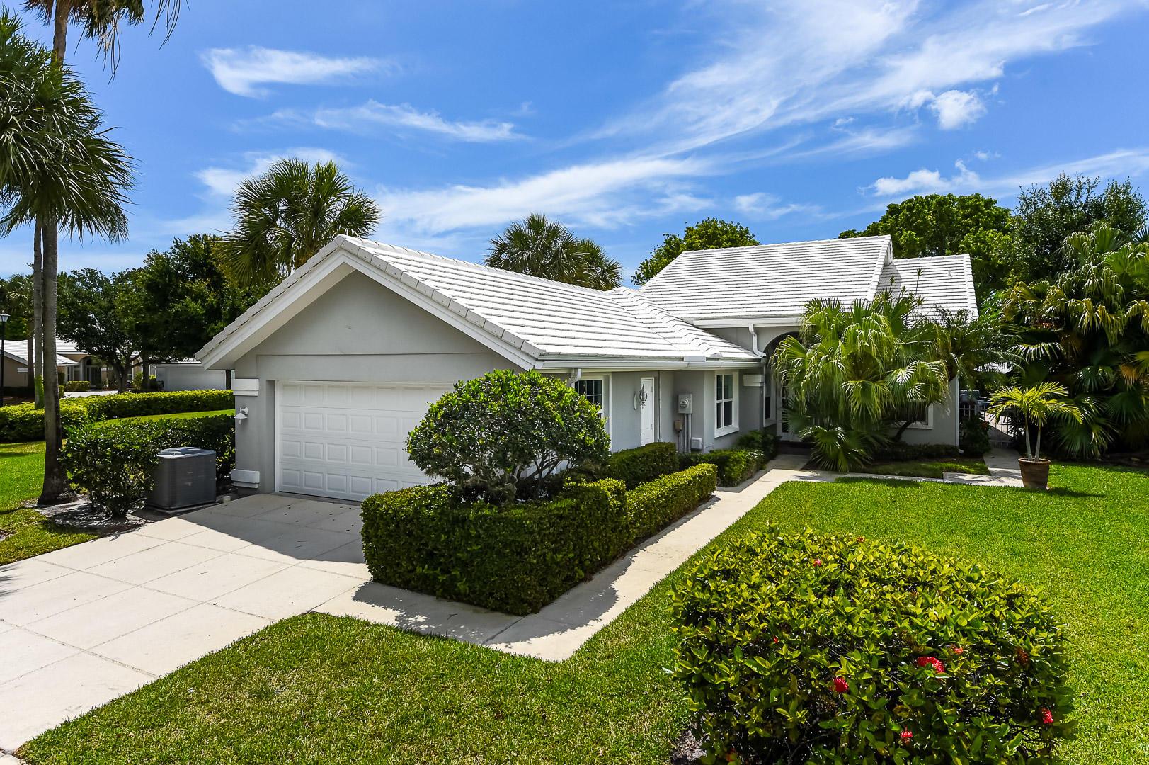 2730  Meadowlark Lane  For Sale 10714961, FL