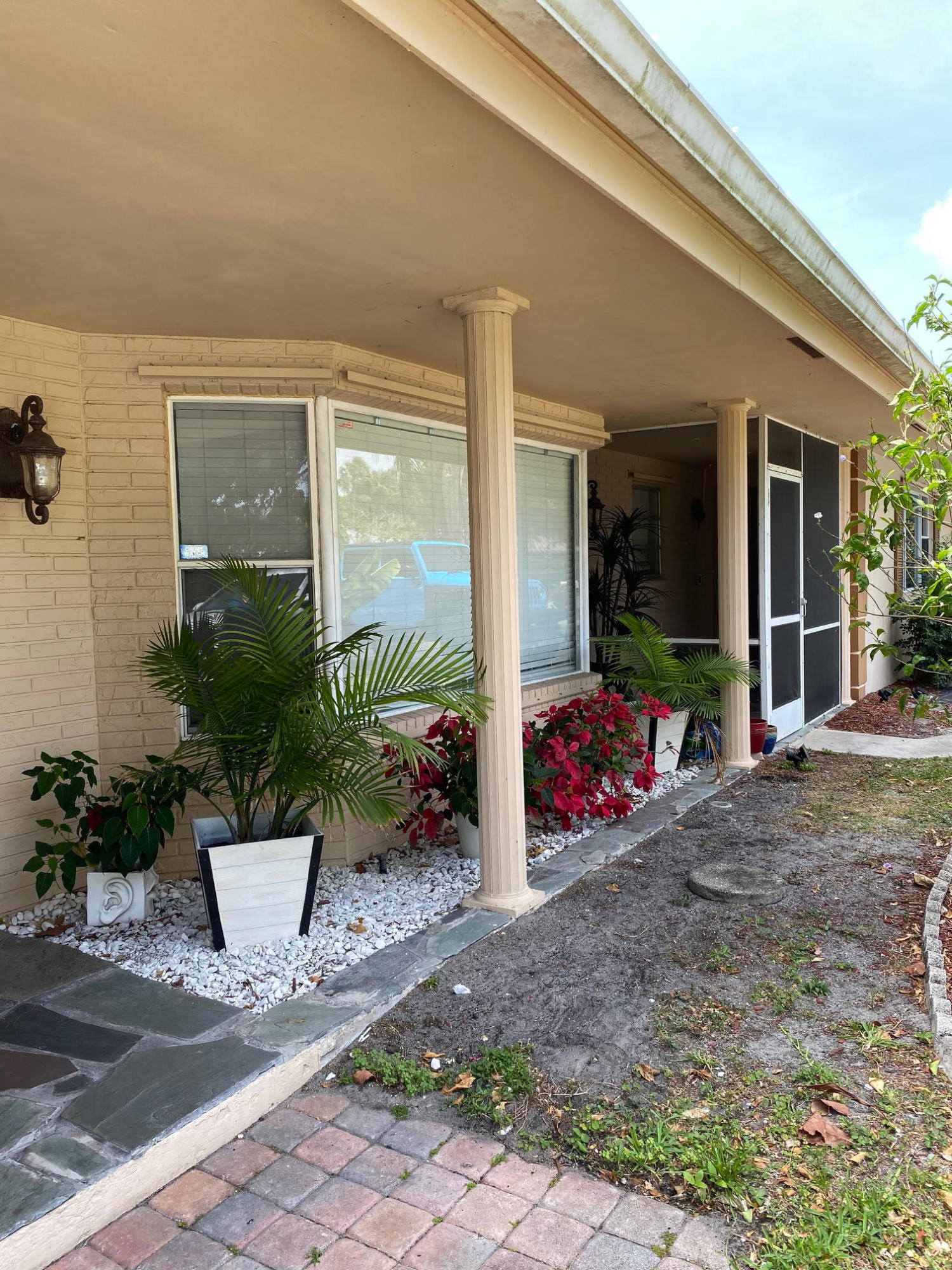 2082 S Conference Drive  For Sale 10715106, FL