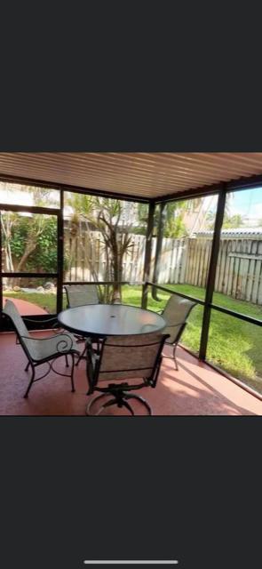3546  Gardens E Drive B For Sale 10715157, FL