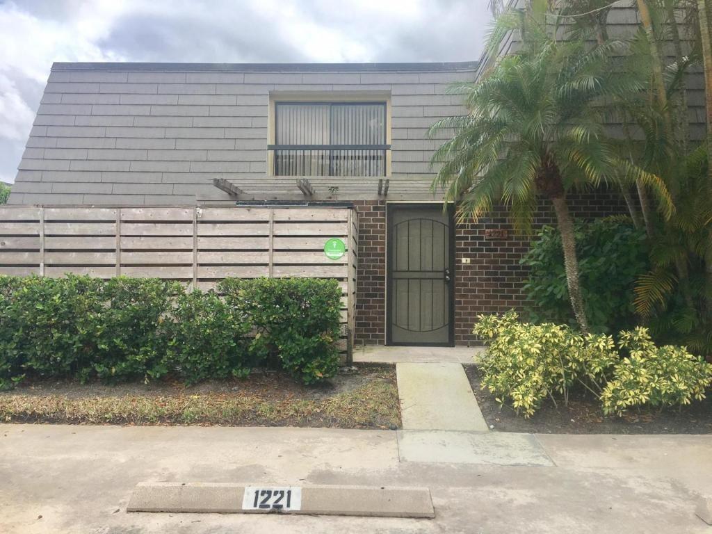 1221 12th Ter Terrace Palm Beach Gardens, FL 33418