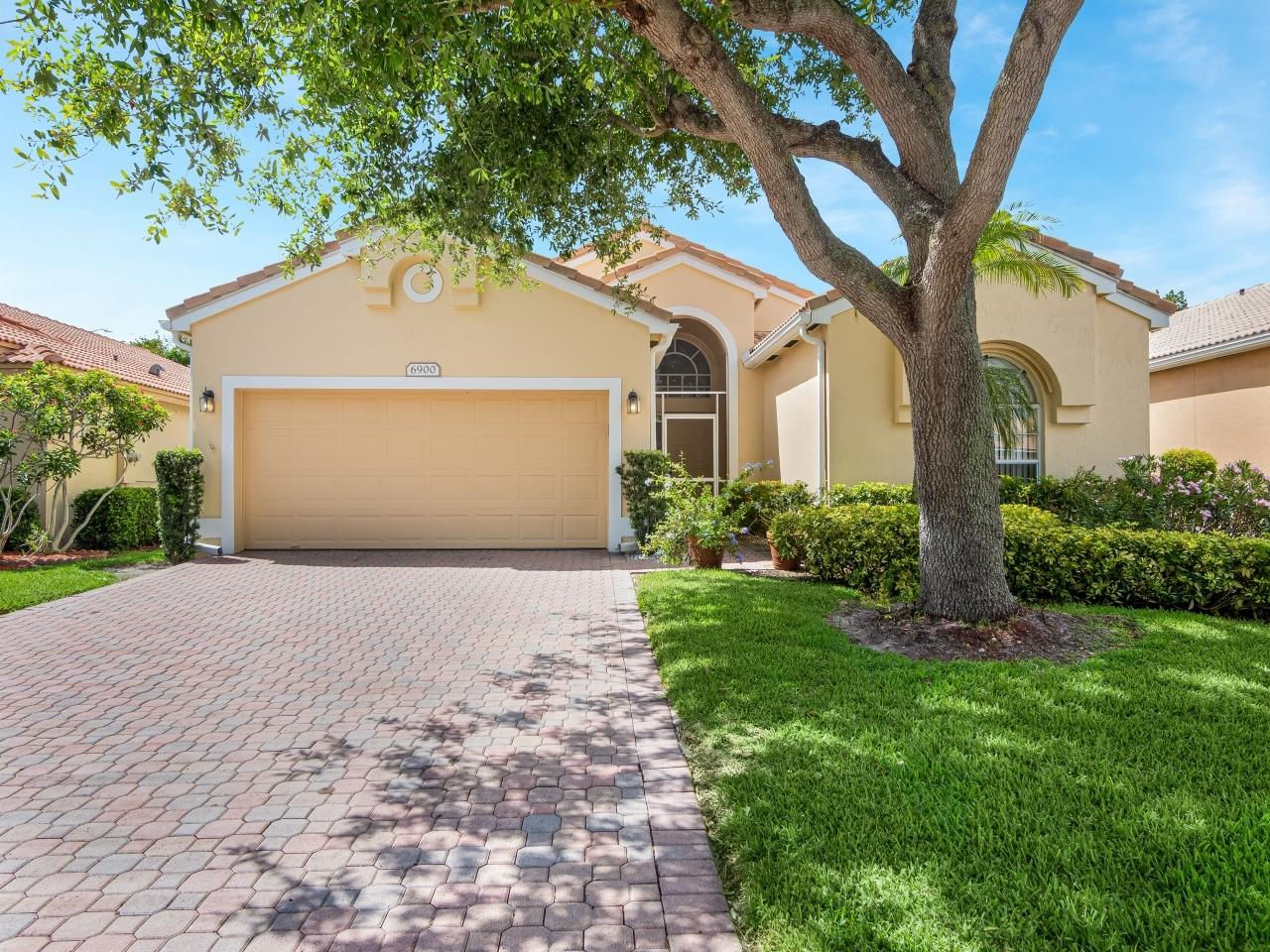 6900  Camille Street  For Sale 10715210, FL
