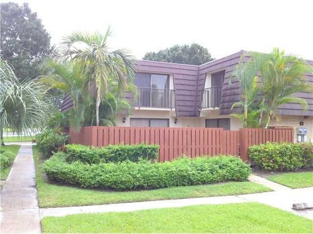 7421  74th Way  For Sale 10715502, FL