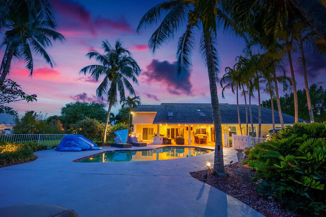 8566 Native Dancer Road Palm Beach Gardens, FL 33418