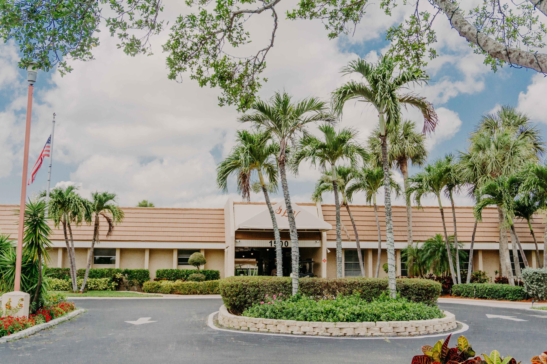 140 Lake Nancy Lane 312 West Palm Beach, FL 33411 photo 28