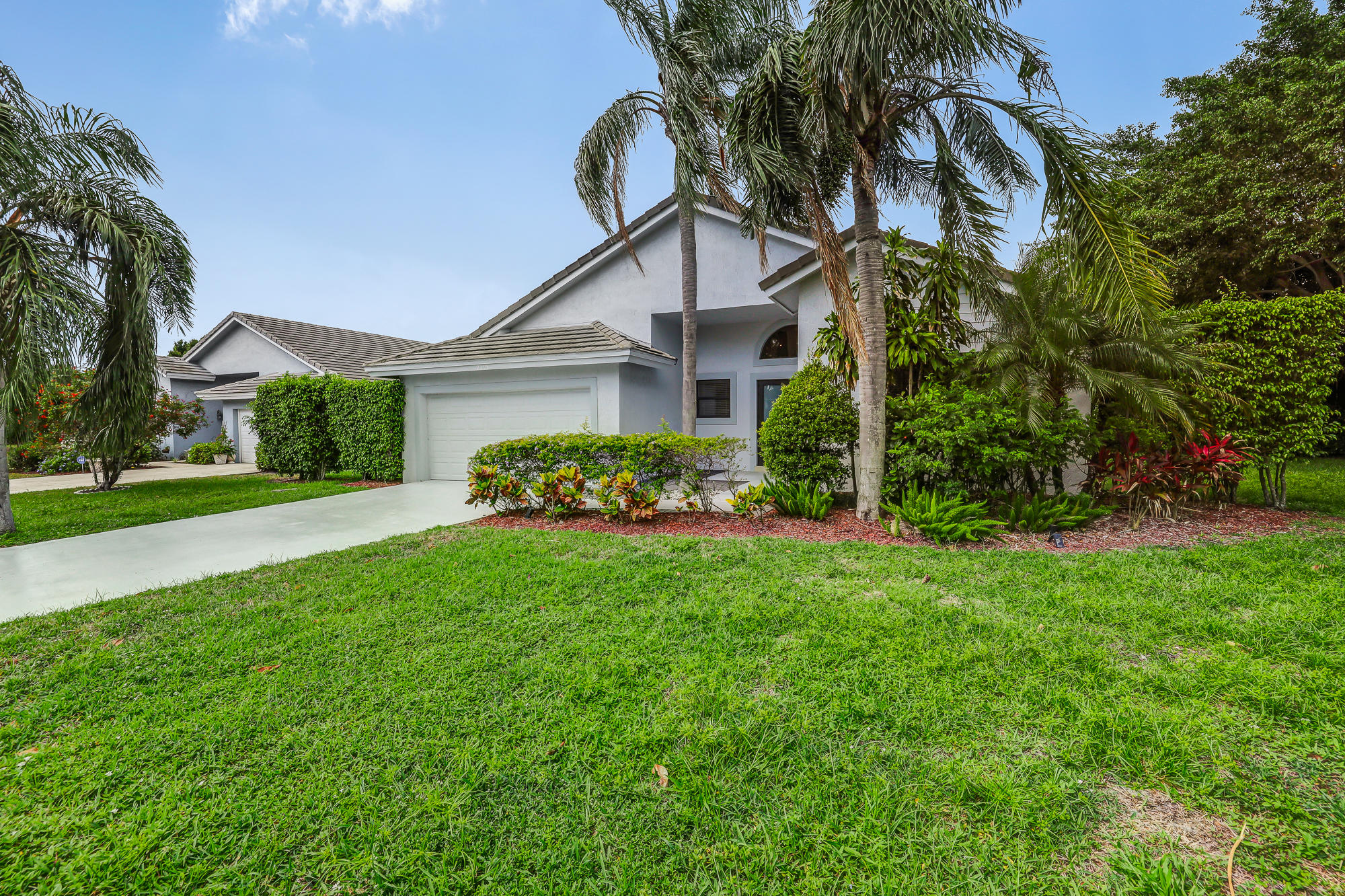 2298 NW 8th Street  For Sale 10716002, FL
