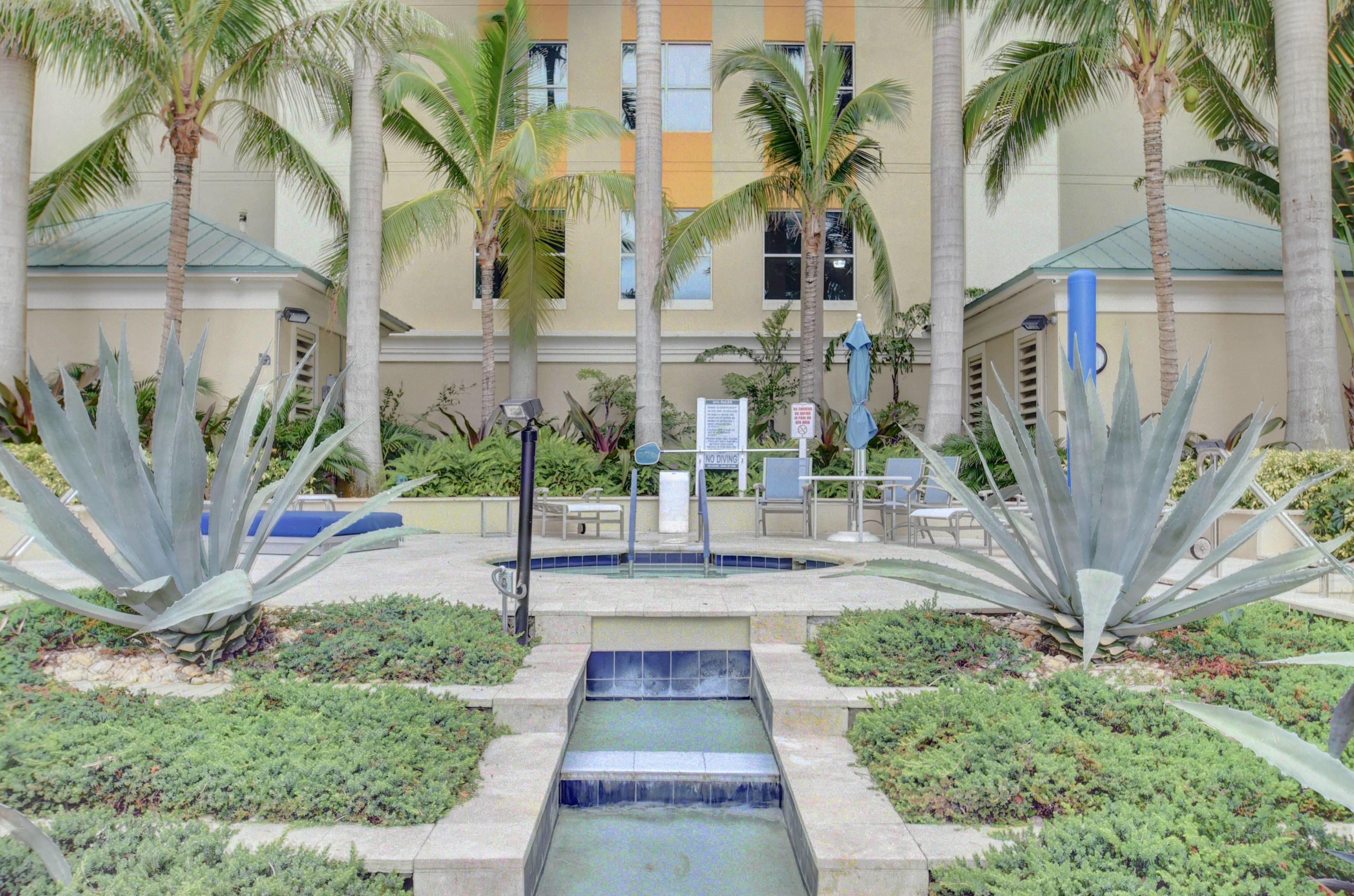 625 Casa Loma Blvd Boulevard Lph9  Boynton Beach FL 33435