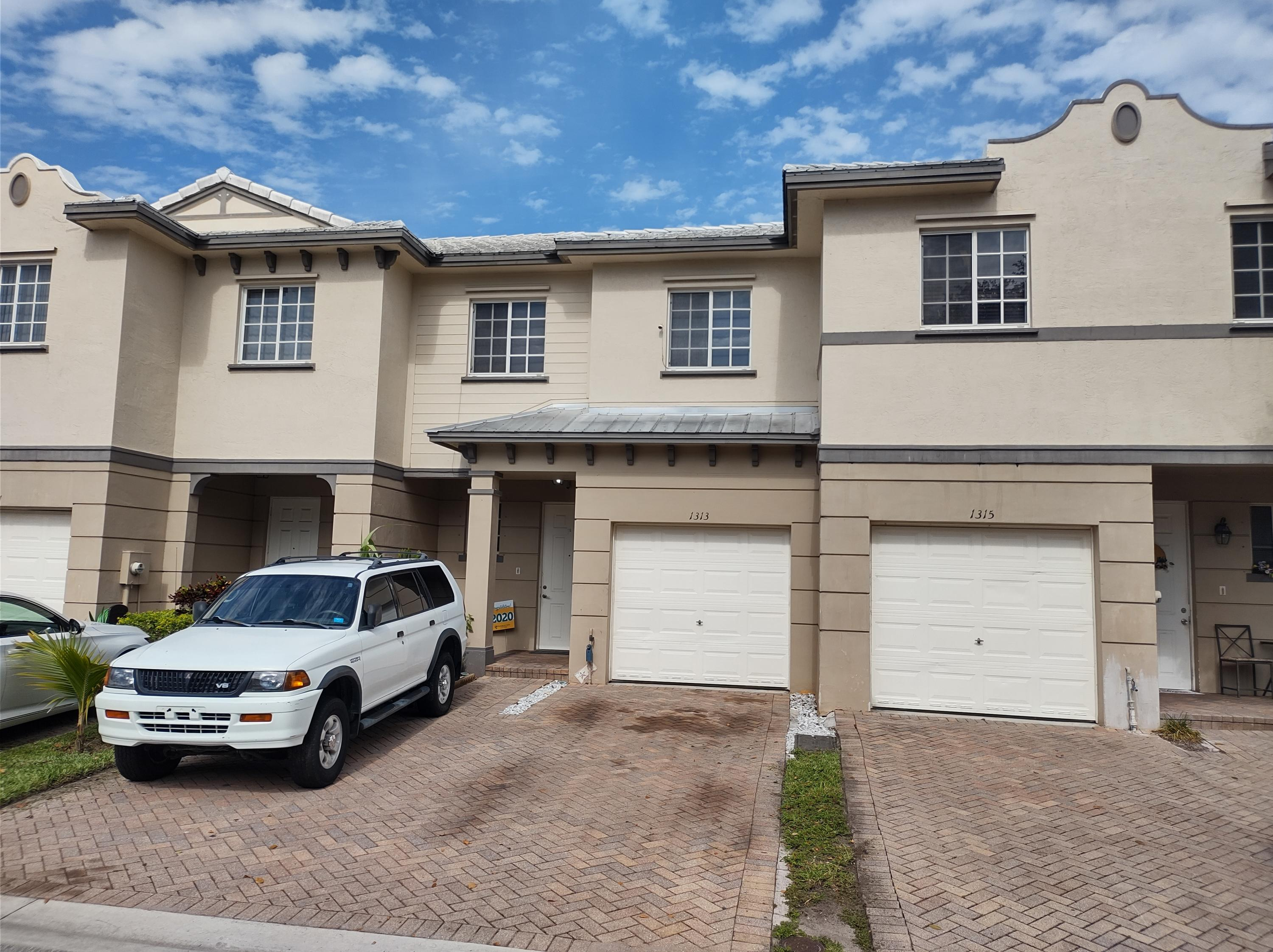1313  Lucaya Drive  For Sale 10715677, FL