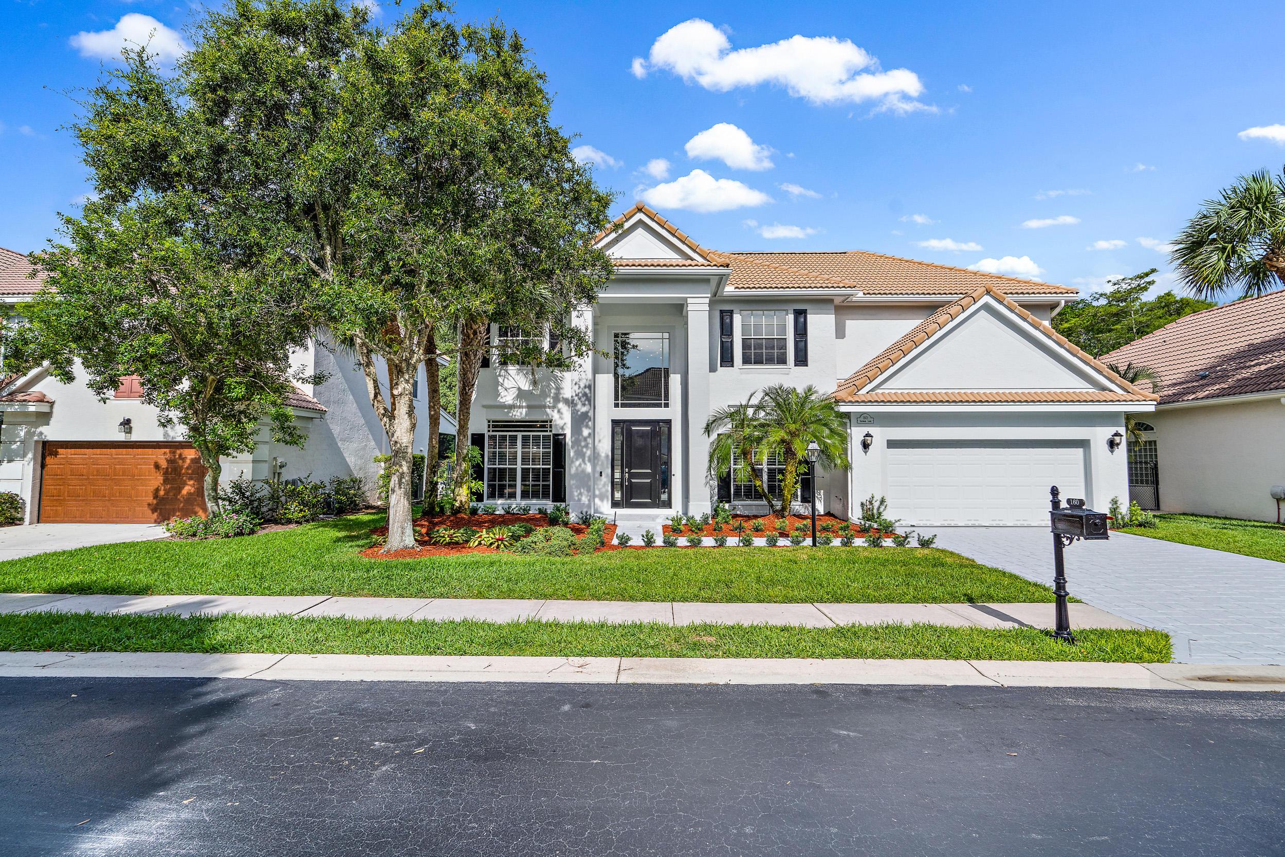 160  Oakwood Lane  For Sale 10715621, FL