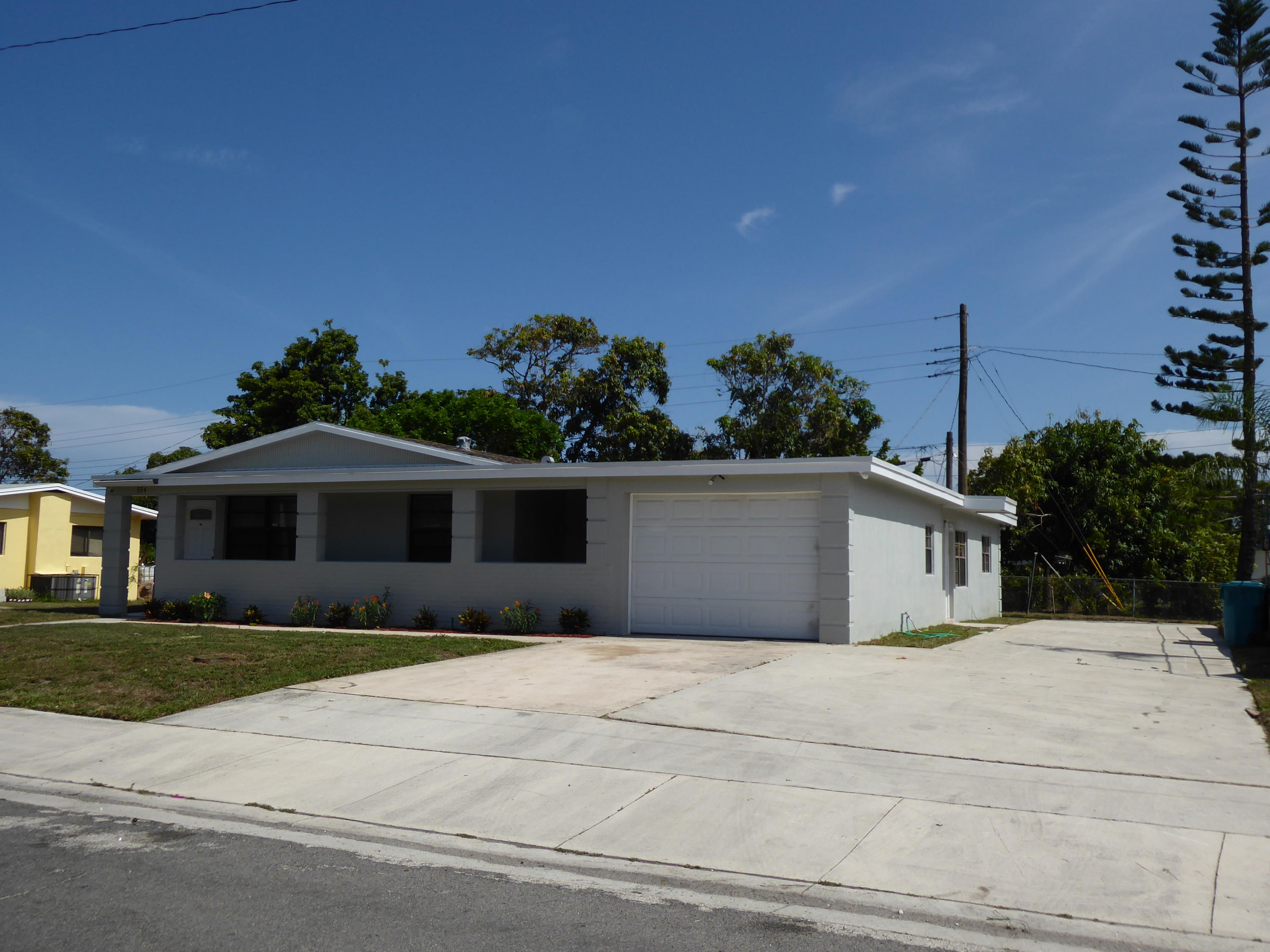 554 NW 11th Avenue  For Sale 10715949, FL