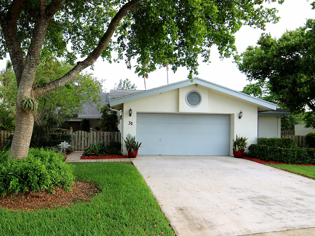 31  Baytree Circle  For Sale 10715258, FL