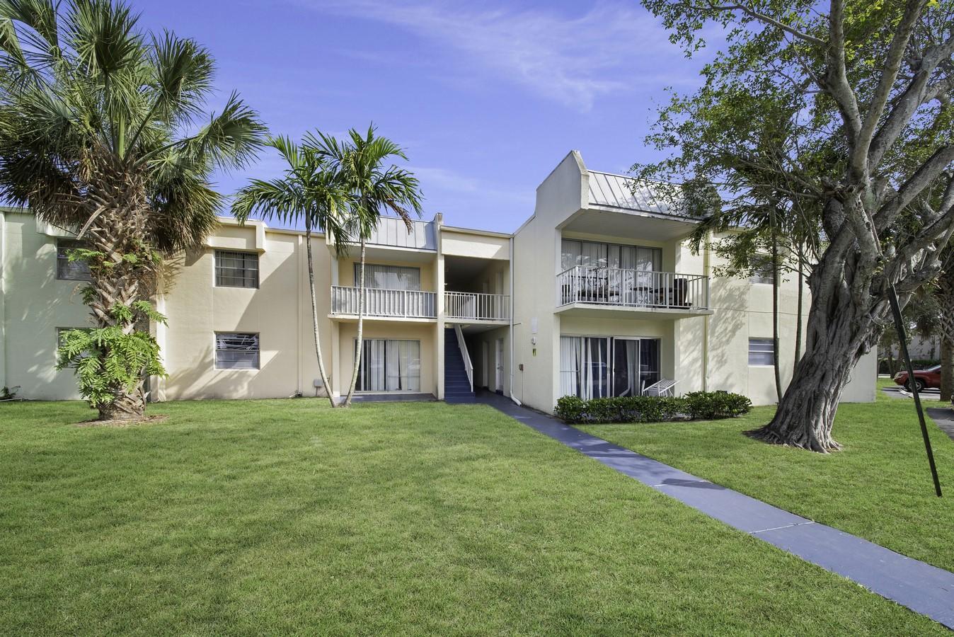 425 Executive Center Drive 203  West Palm Beach, FL 33401