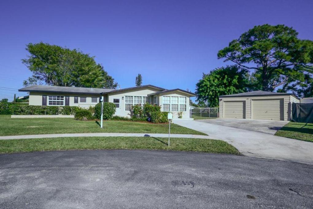 2672  Rockcrest Court  For Sale 10716150, FL