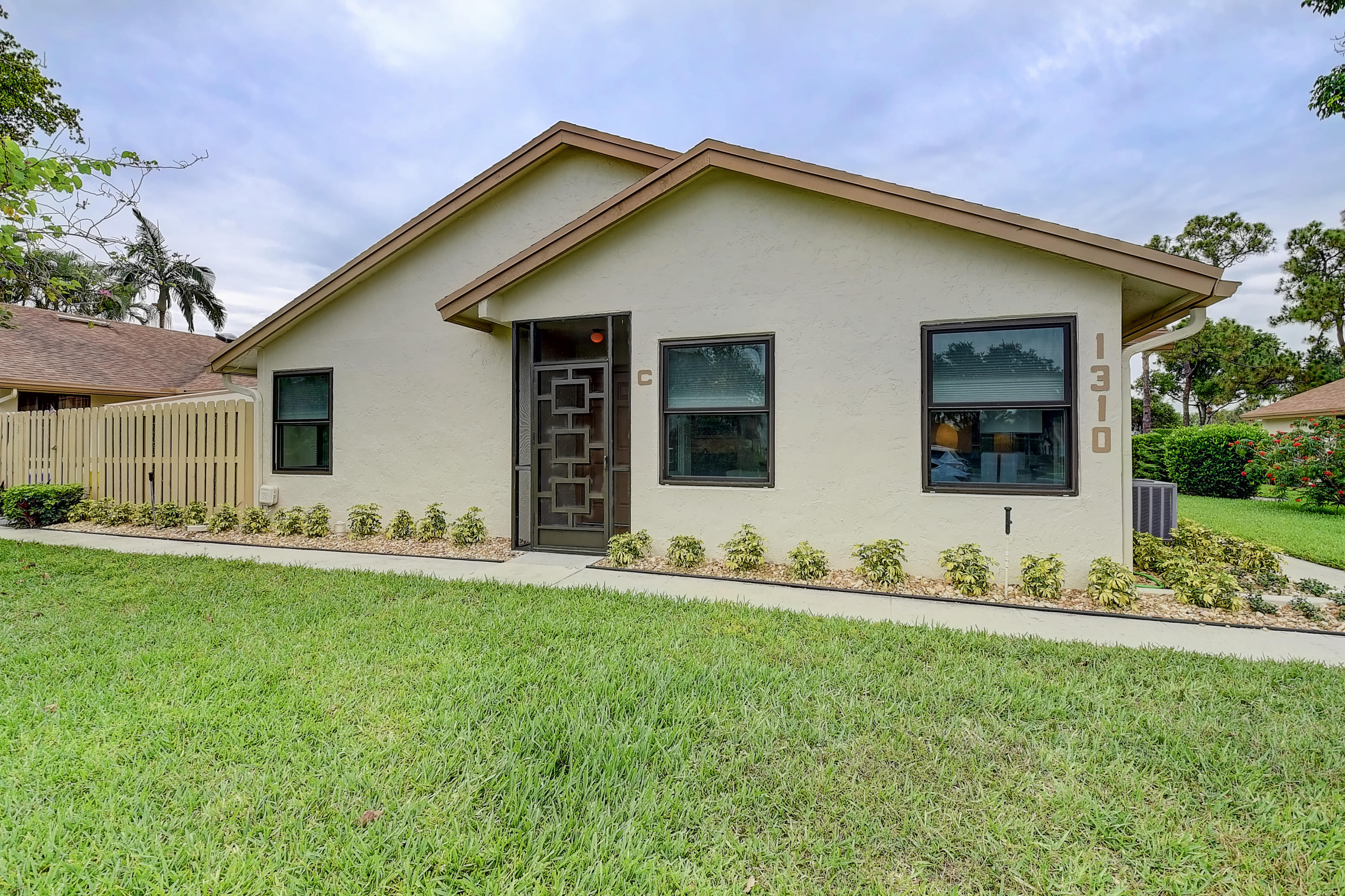 1310 NW 29th Avenue C For Sale 10716470, FL