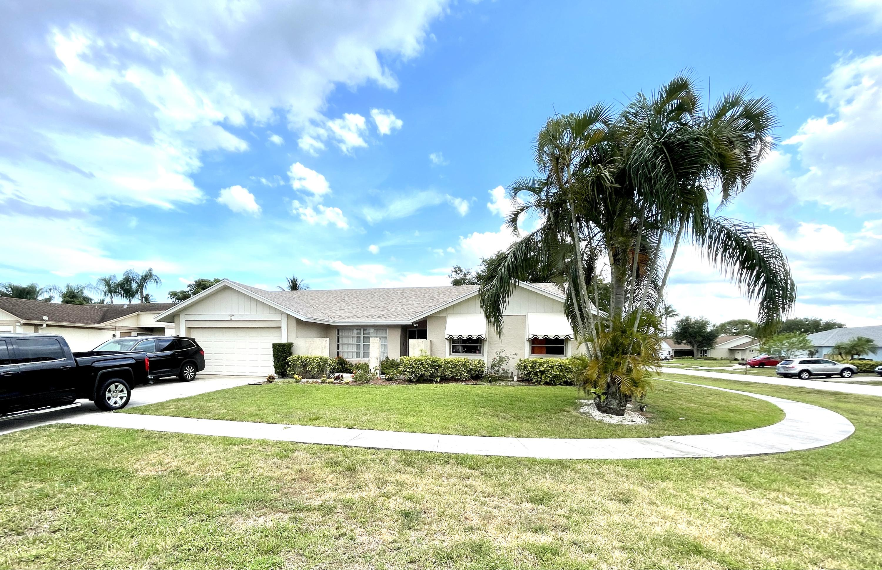 1019  Larch Way  For Sale 10716248, FL