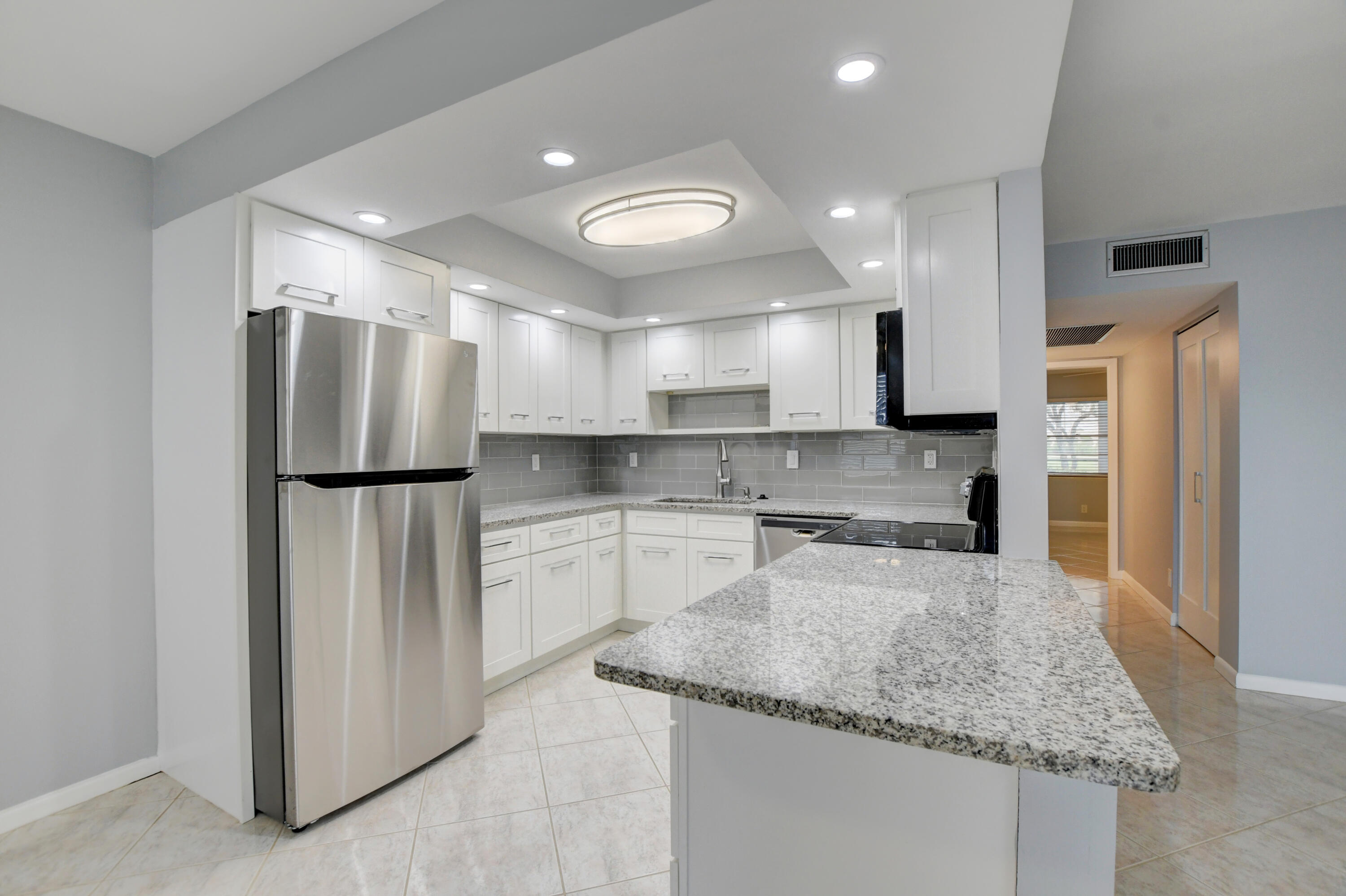 1007  Hythe A   For Sale 10716285, FL