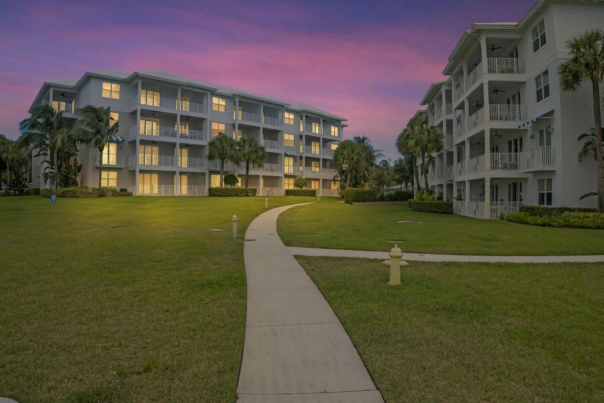 943 S Bay Colony Drive  For Sale 10716355, FL