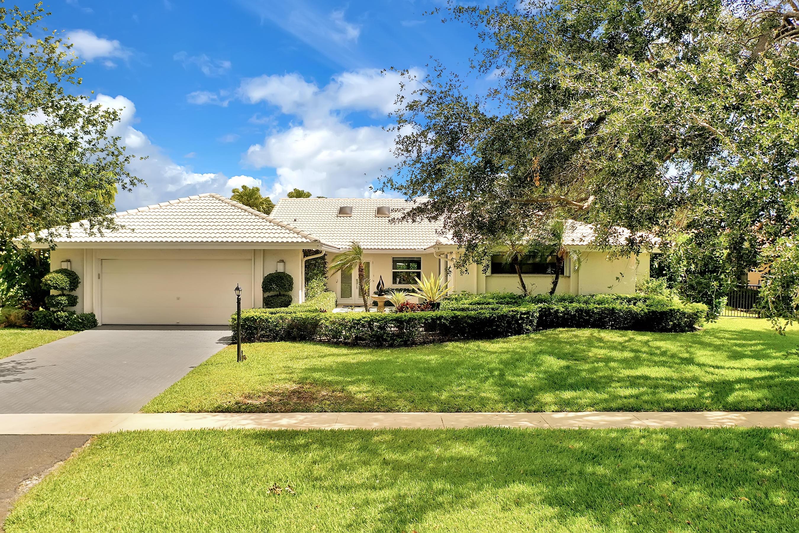 4398  White Cedar Lane  For Sale 10716373, FL