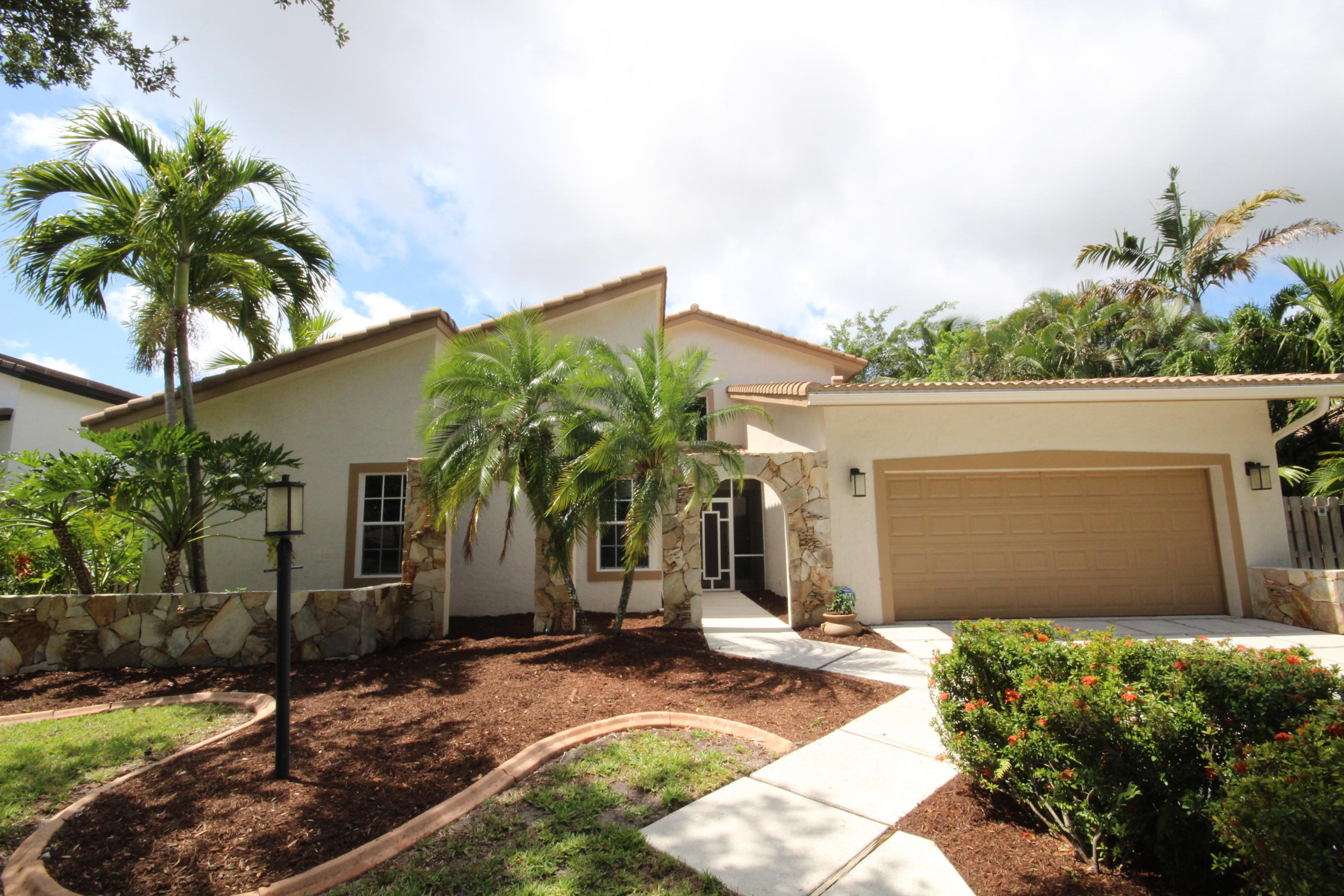 2662 NW 41st Street  For Sale 10715242, FL