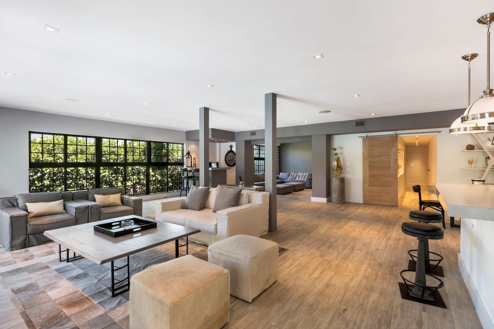 Home for sale in San Marino Island Miami Beach Florida