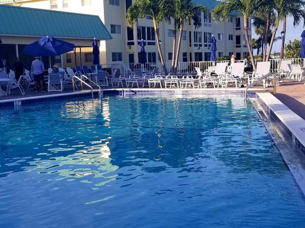 4 Colonial Club Drive 305 Boynton Beach, FL 33435