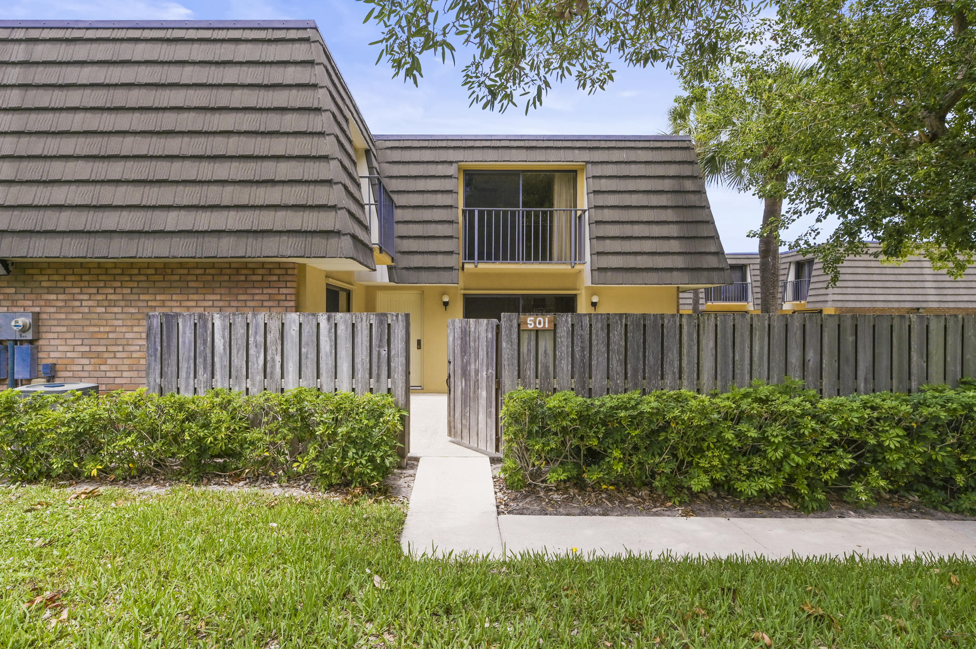 501  5th Way  For Sale 10717773, FL