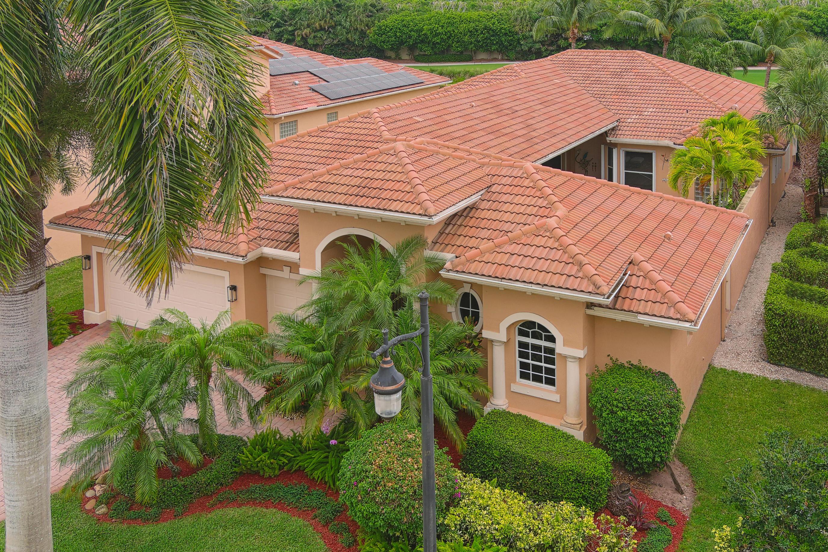 8024  Laurel Ridge Court  For Sale 10716763, FL
