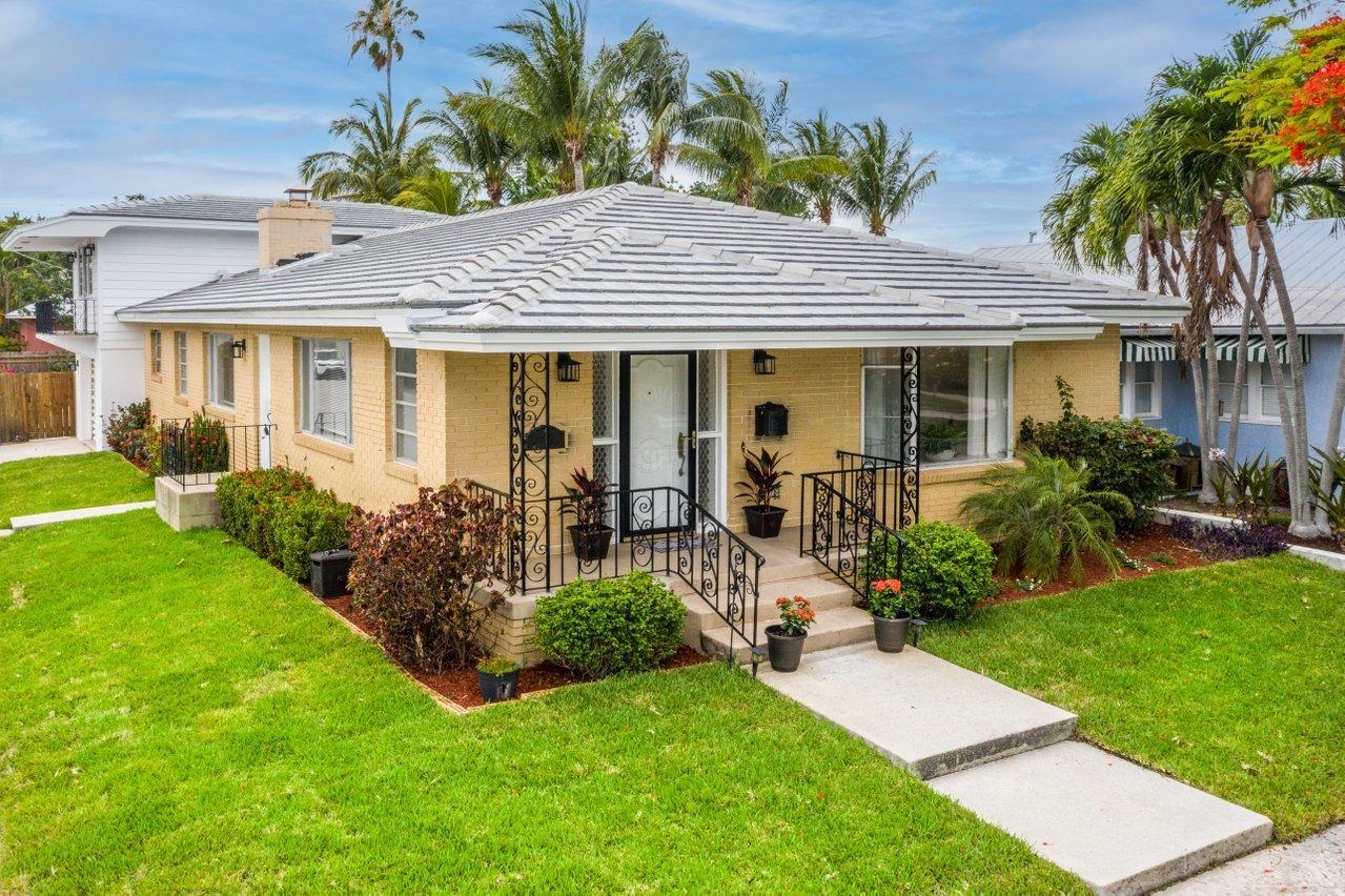 731 S Palmway   For Sale 10716732, FL