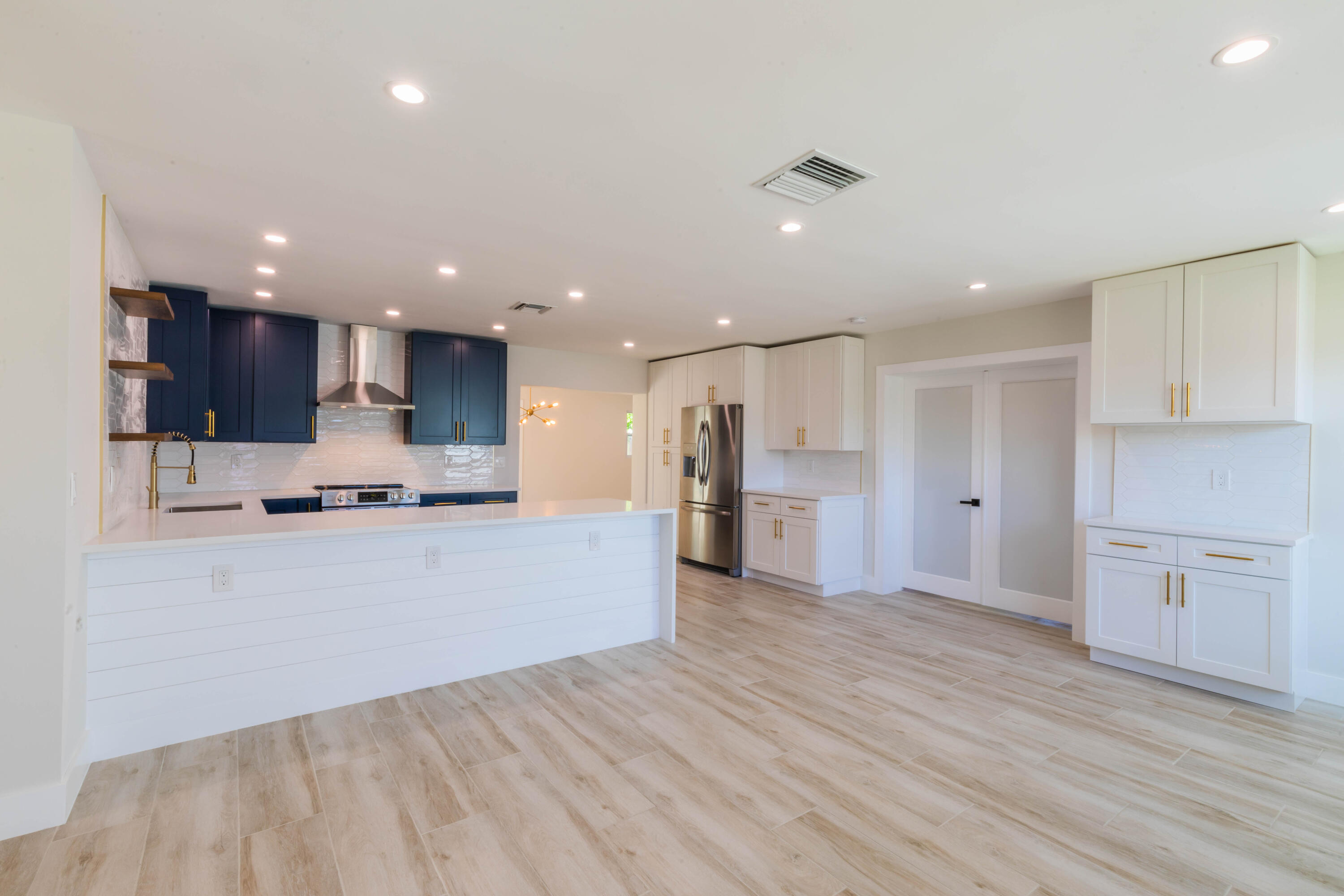 220  Gregory Place  For Sale 10716719, FL