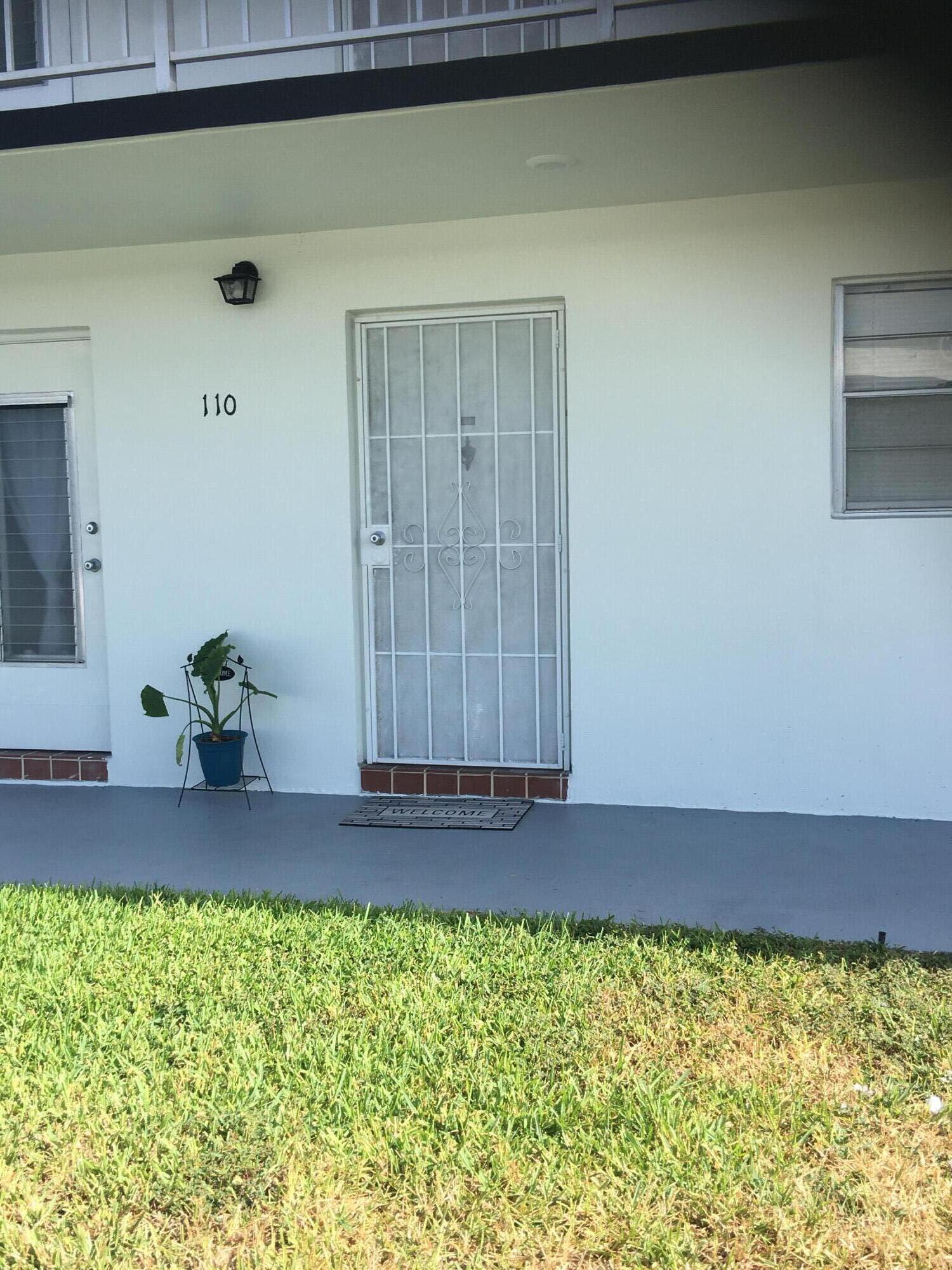1113 Lake Terrace 110 Boynton Beach, FL 33426