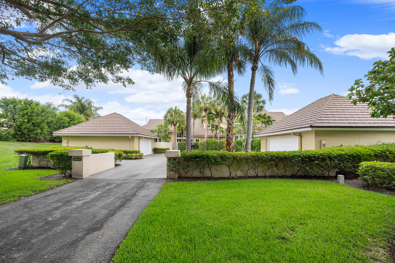 2576  Muirfield Court  For Sale 10716909, FL