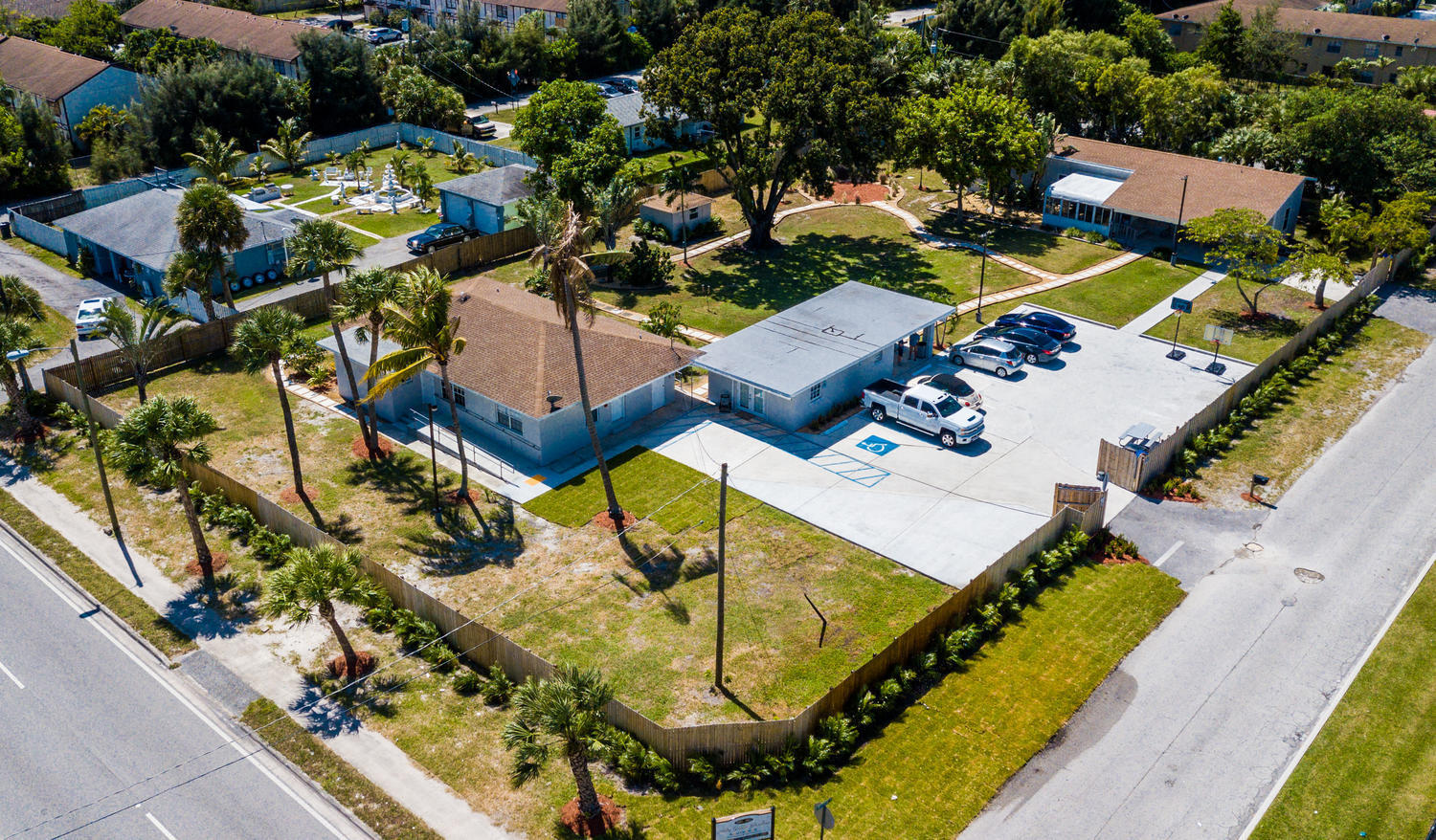 1893 Haverhill Rd West Palm-large-027-00