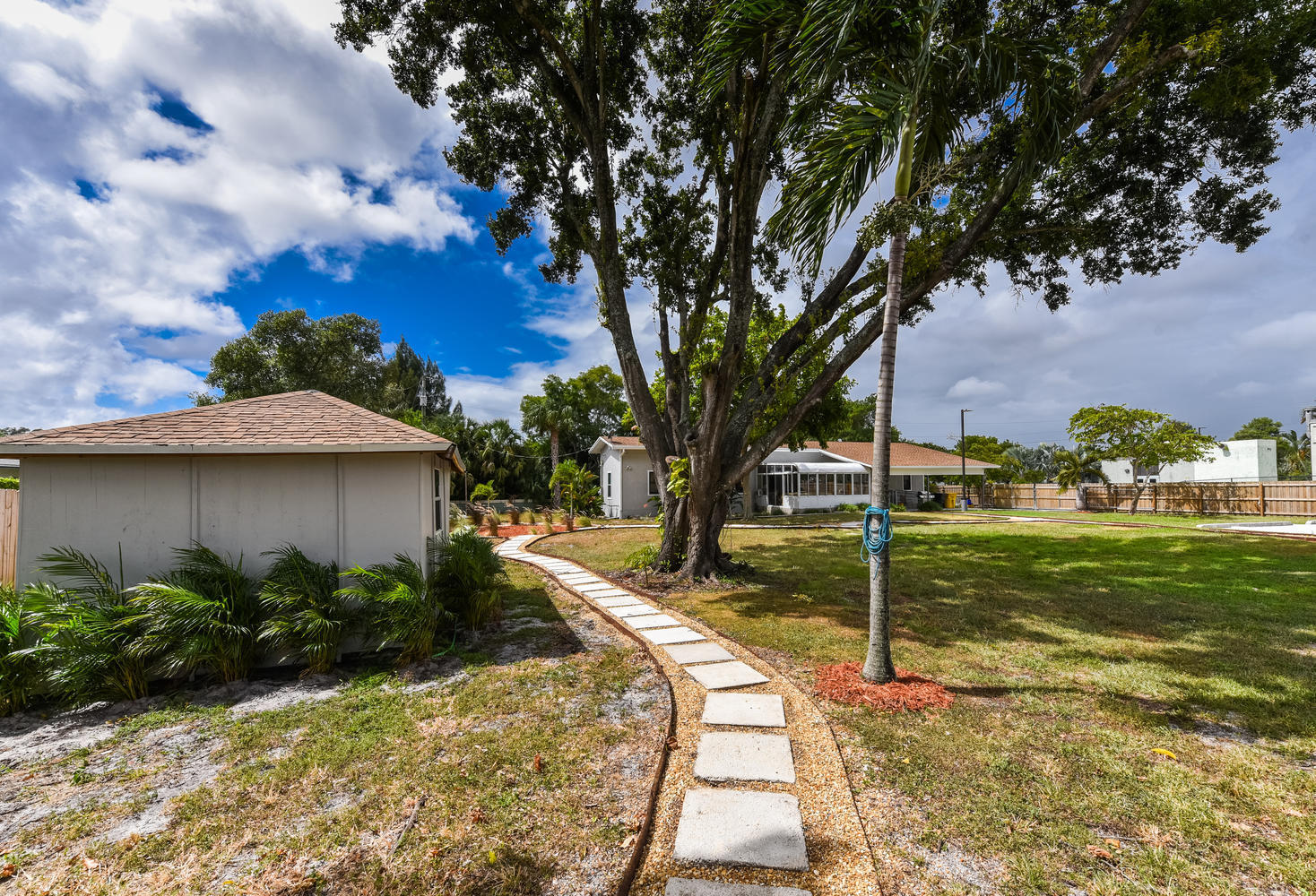 1893 Haverhill Rd West Palm-large-031-03