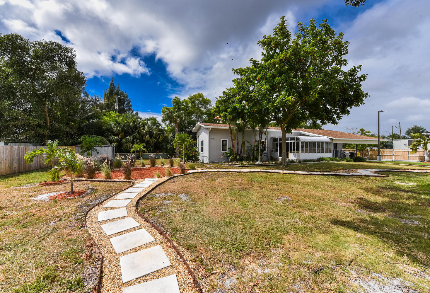 1893 Haverhill Rd West Palm-large-033-03