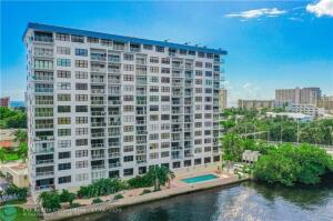 Walk to the beach from this newly renovated building on the east side of the intracoastal!