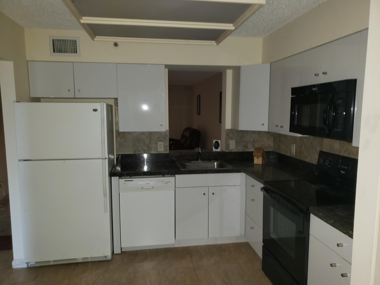 14575  Bonaire Boulevard 405 For Sale 10716995, FL
