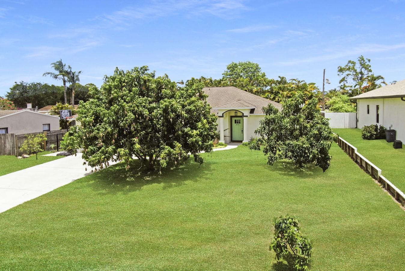 7569 Seabreeze Drive Lake Worth, FL 33467 photo 2