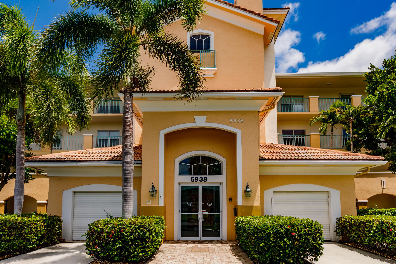 5938 Crystal Shores Drive 306 Boynton Beach, FL 33437