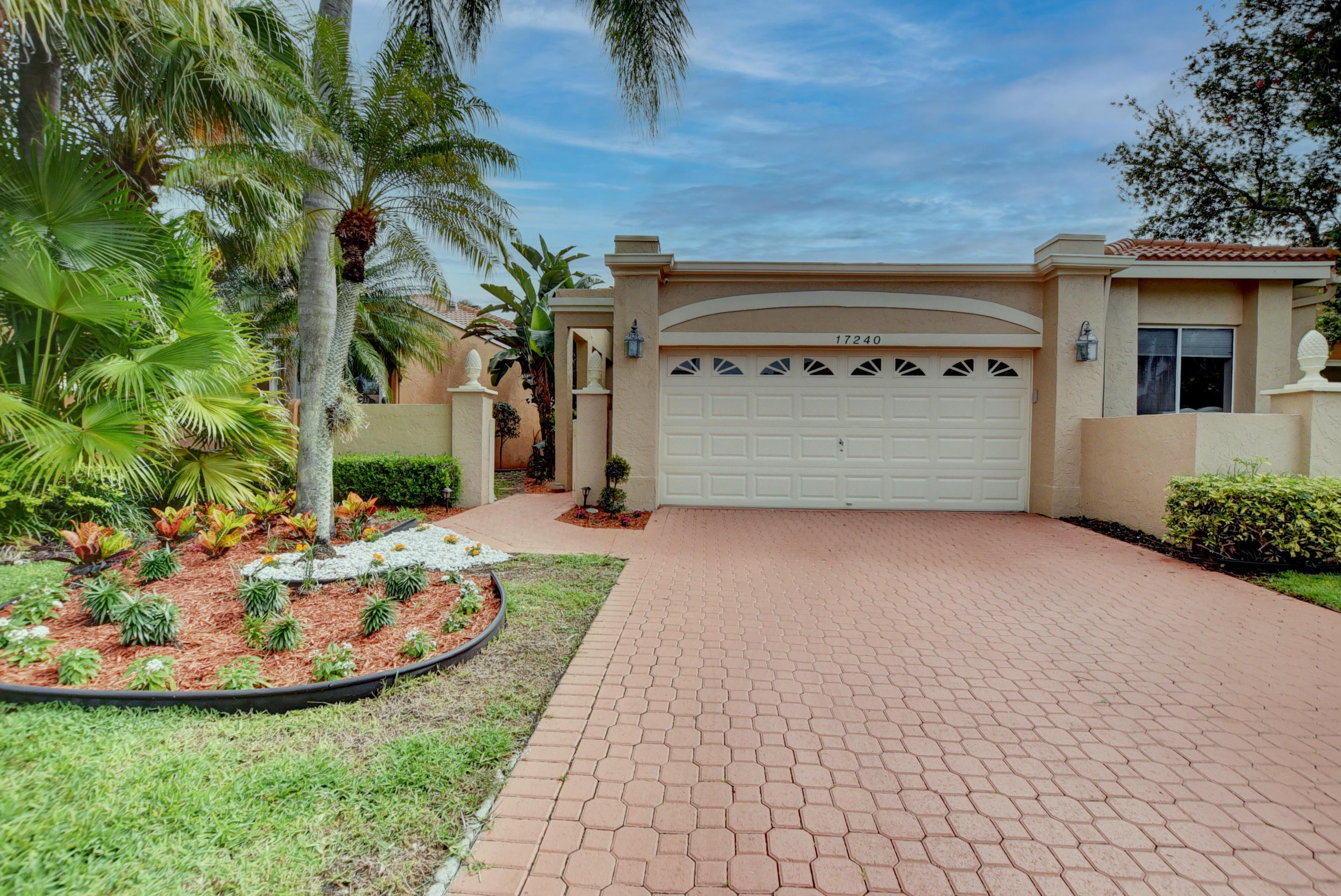 17240  Hampton Boulevard  For Sale 10717024, FL