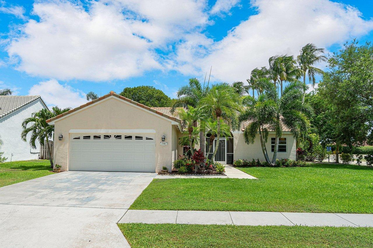 Home for sale in Bradham Pointe*great Lake Worth Florida