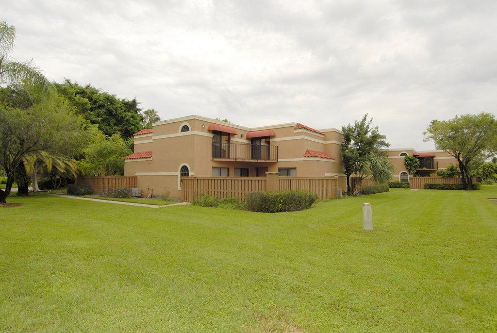 8122  Severn Drive A For Sale 10717818, FL