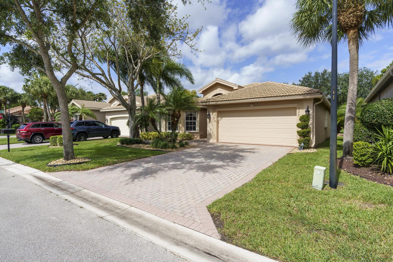 7579 Pebble Shores Ter Terrace Lake Worth, FL 33467