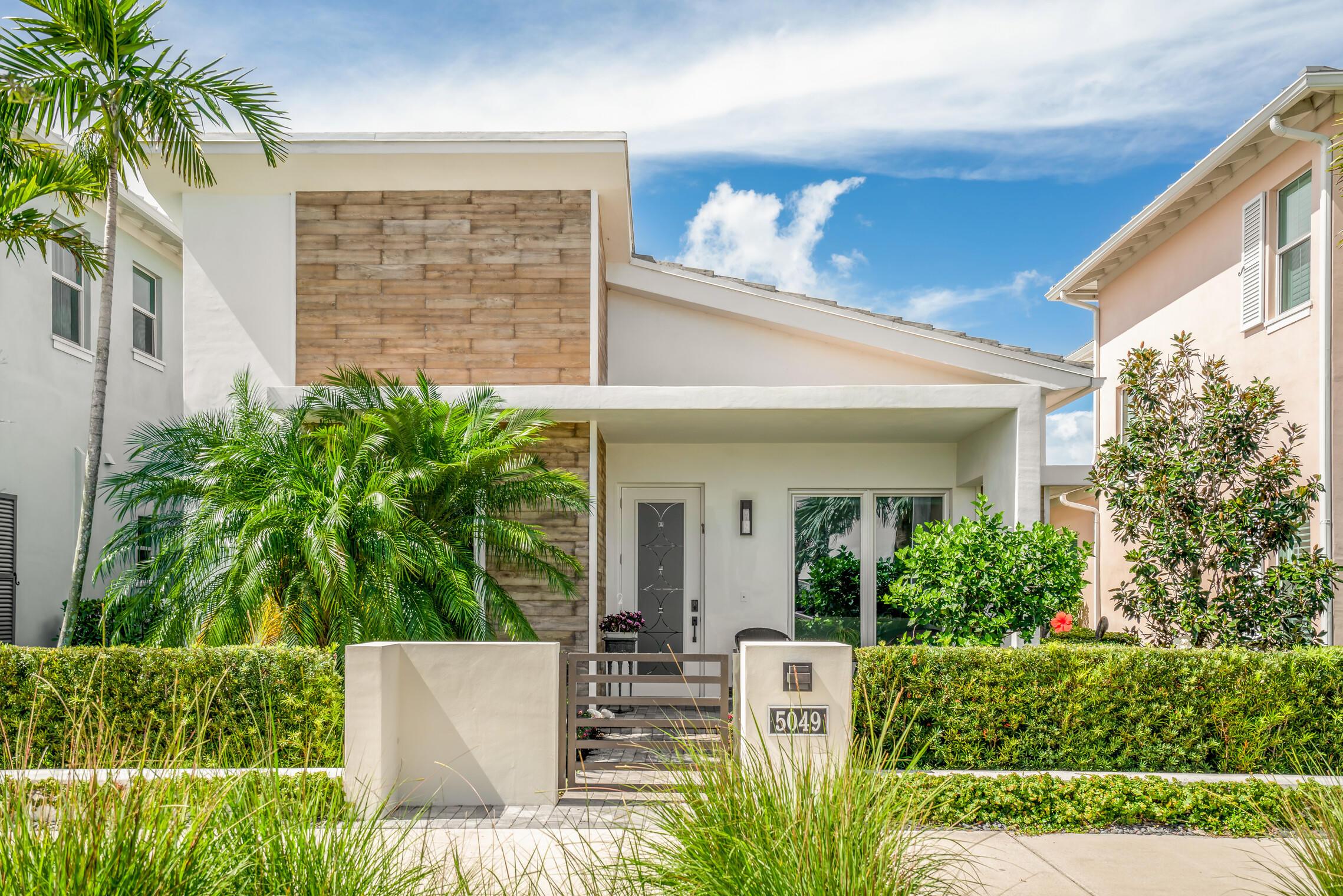 5049  Grandiflora Road  For Sale 10717355, FL