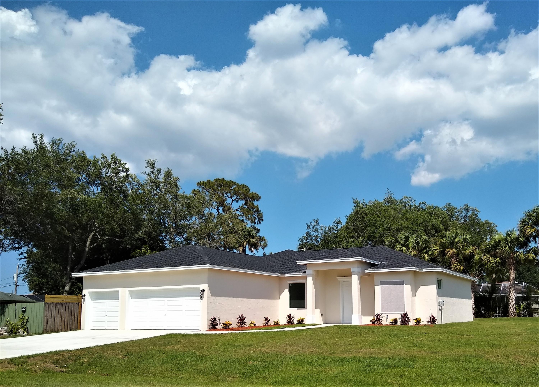 2513 SW Calder Street Port Saint Lucie, FL 34953