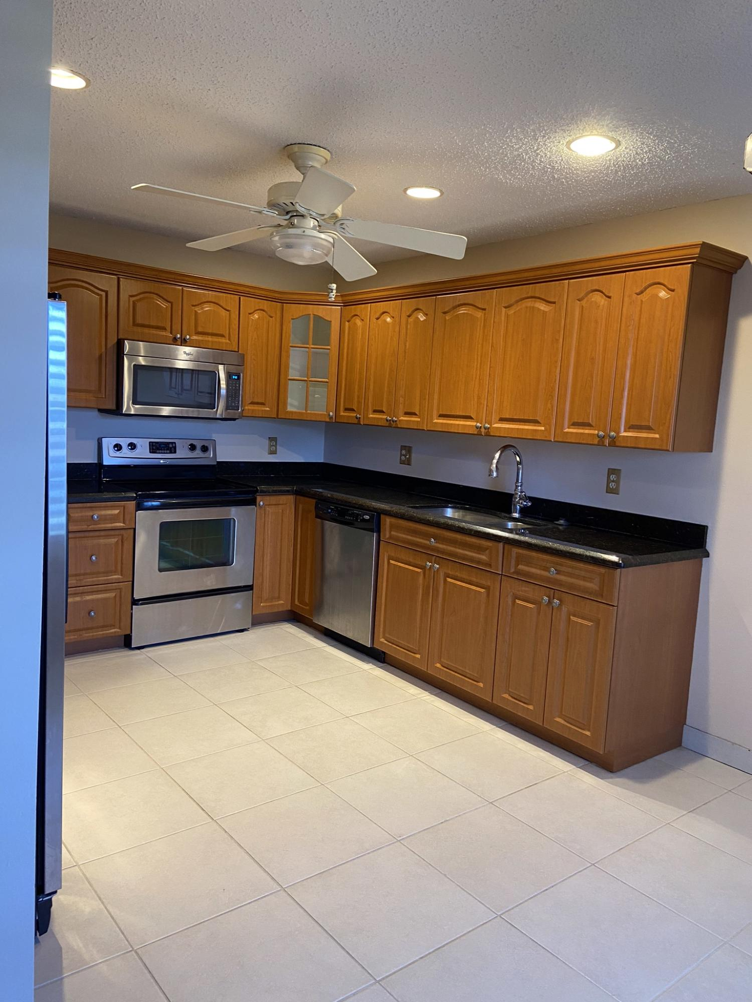 1541 NW 18th Avenue 201 For Sale 10717389, FL