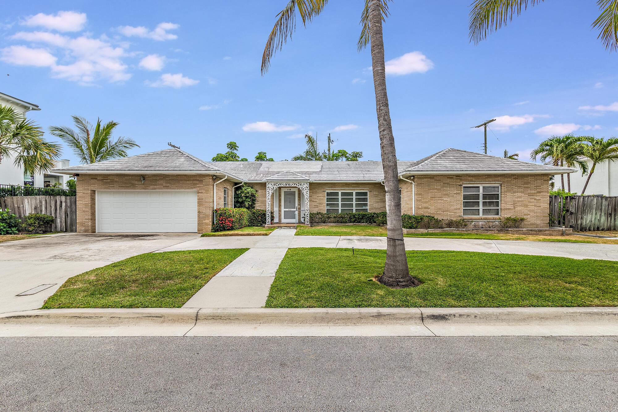 115  Edmor Road  For Sale 10718102, FL