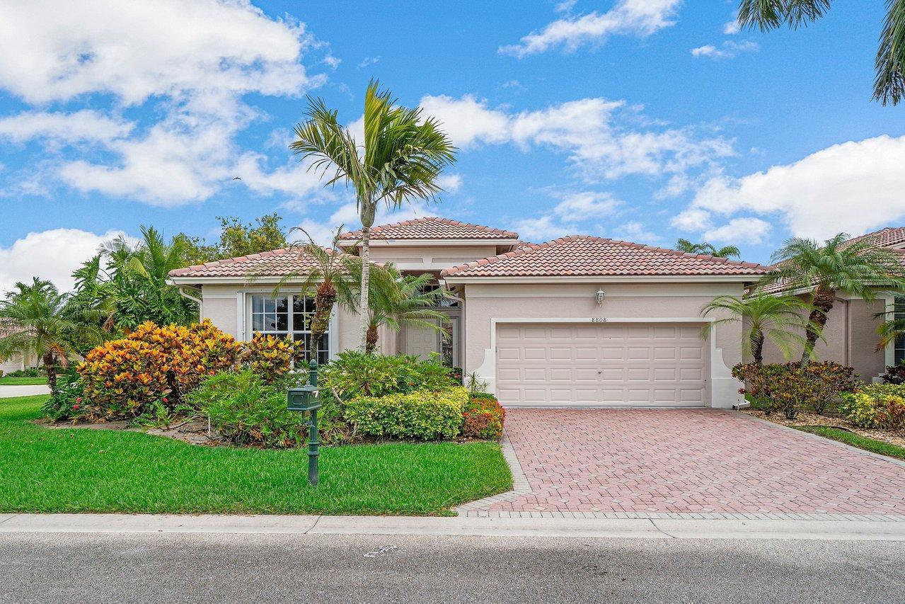 8808  Barrymore Lane  For Sale 10717471, FL