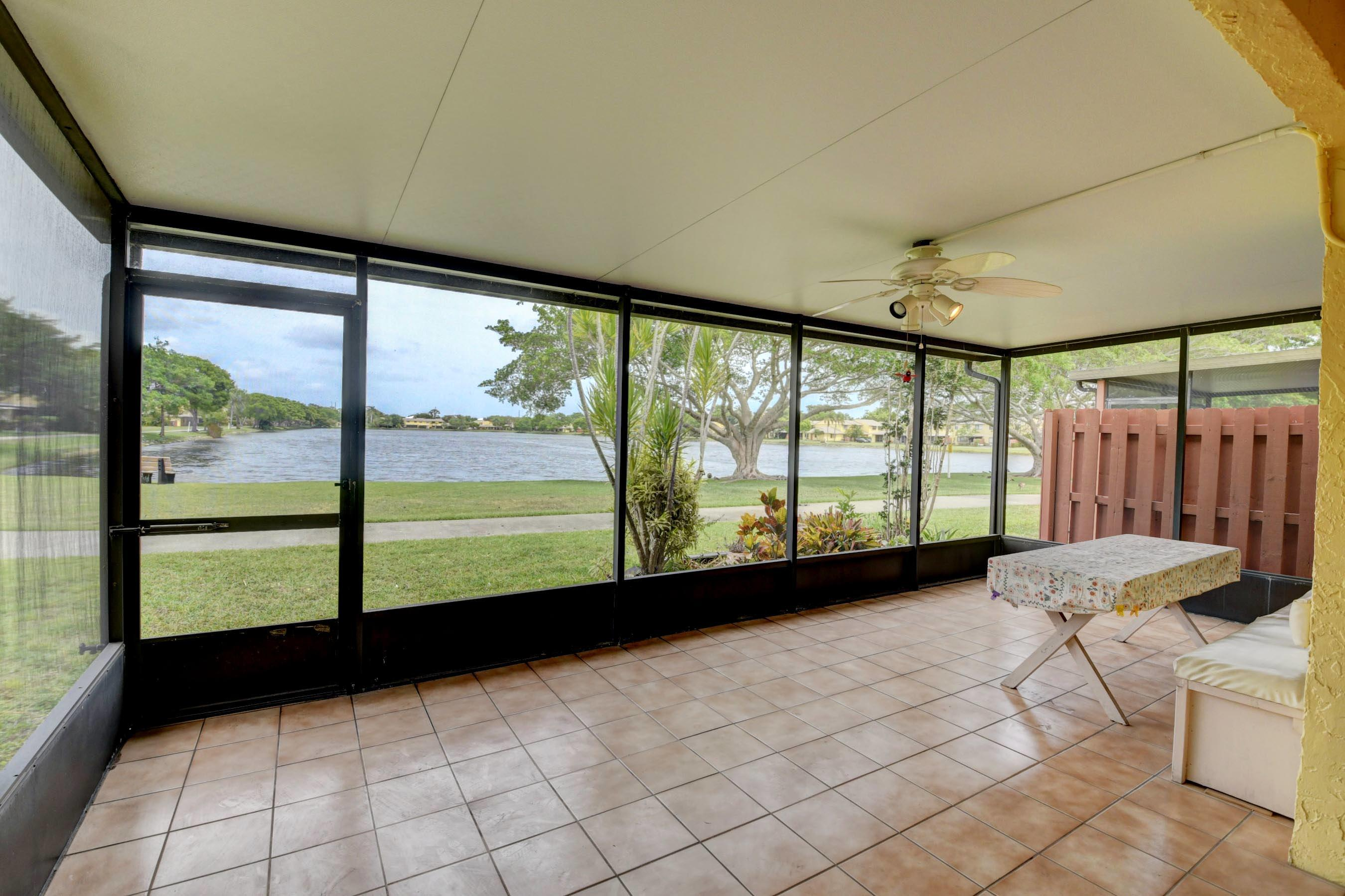 16313  Country Lake Circle  For Sale 10717908, FL