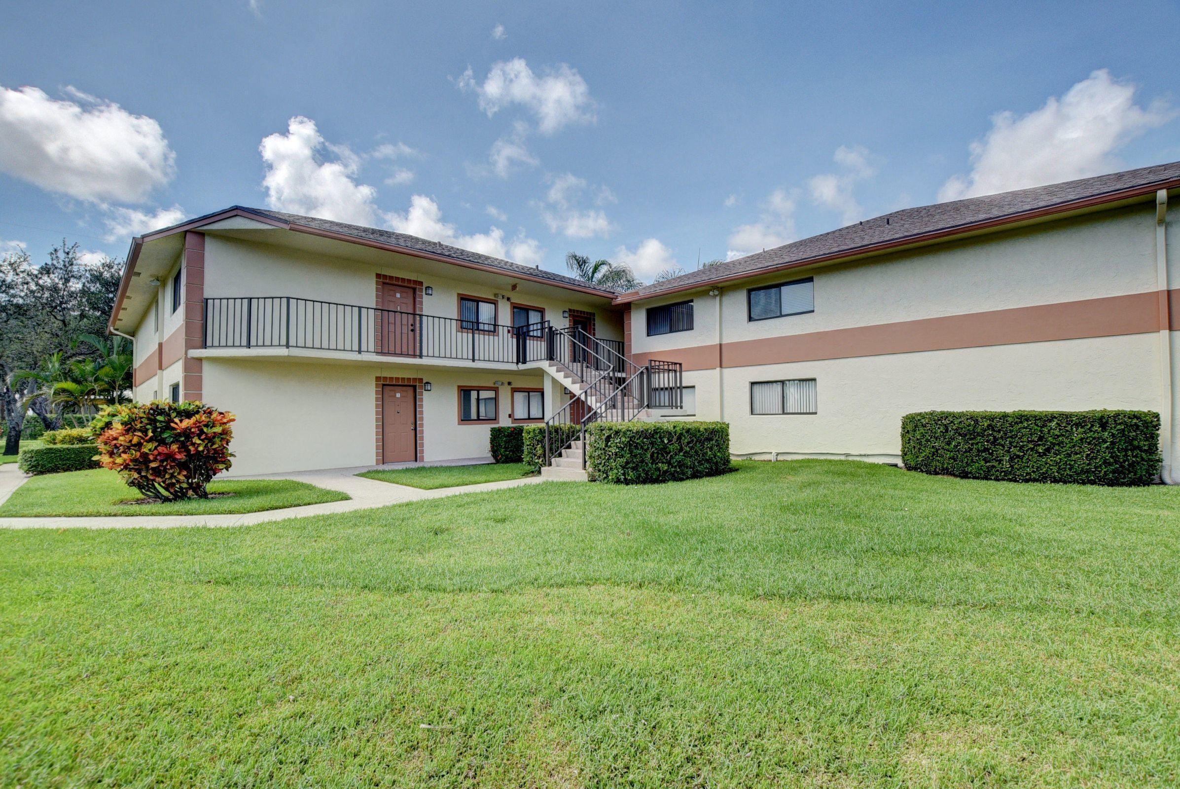 15401  Pembridge Avenue 5 For Sale 10720185, FL